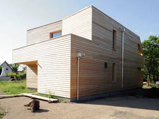 Nord-Westfassade:  Häuser von Symbios Architektur