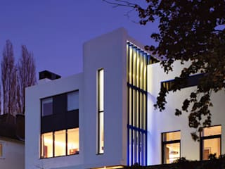 Wimbledon residence Modern houses by Inverse Lighting Design ltd. Modern
