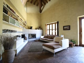 Country style living room by ARCHITETTO FRANCA DE GIULI Country