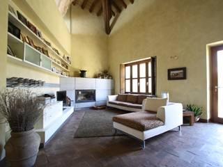 Salones rurales de ARCHITETTO FRANCA DE GIULI Rural