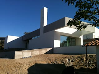 Modern Houses by anguloarquitectos Modern