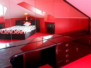 Casa Rossa:  in stile  di Enrico Scarsi Fotografia