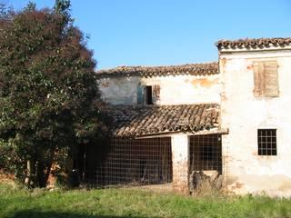 Casas rústicas de Studio Arch. Mauro Ioli Rústico