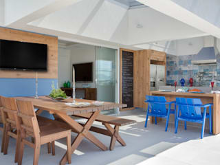 Terrace by Ana Adriano Design de Interiores, Tropical