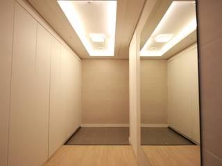 모던하고 아늑한 분위기의 아파트: 1204디자인의 현대 ,모던