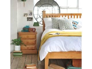 Dormitorios de estilo  por The Cotswold Company , Rural Madera Acabado en madera