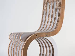 Twist Chair di lessmore Moderno