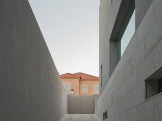 Moderne Wände & Böden von joão rapagão Modern