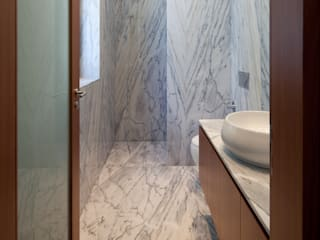 CASA M+F: Casas de banho  por joão rapagão,Moderno