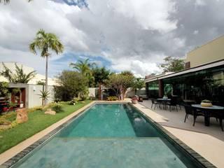 Tropische tuinen van RABAIOLI I FREITAS Tropisch