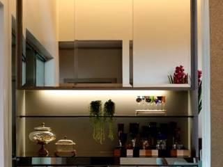 RABAIOLI I FREITAS Modern Home Wine Cellar Silver/Gold Metallic/Silver