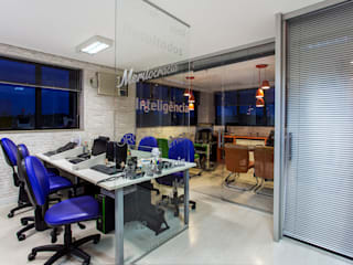 Amanda Pinheiro Design de interiores Edificios de Oficinas Azul