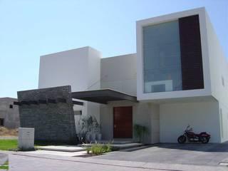 Fachada Casas de estilo moderno de homify Moderno Piedra