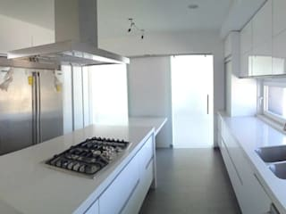 SANTIAGO PARDO ARQUITECTO Built-in kitchens