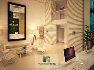 Couloir, entrée, escaliers minimalistes par Moradaverde Arquitetura Ltda. Minimaliste