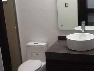 Baños modernos de SANTIAGO PARDO ARQUITECTO Moderno