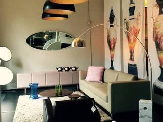Recorriendo Darkhaus, galería de diseño: Livings de estilo  por DARKHAUS