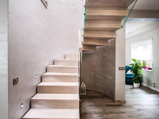 BRODA schody-dywanowe Corridor, hallway & stairsStairs