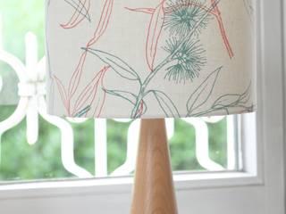 Molly Flowering Gum D25: skandinavische Schlafzimmer von Koala Designs