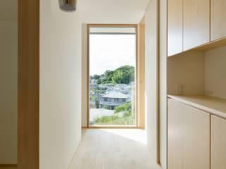 市原忍建築設計事務所 / Shinobu Ichihara Architects Scandinavian style corridor, hallway& stairs Wood Wood effect