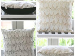 Kissen Collage - Shells: skandinavische Wohnzimmer von Koala Designs