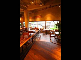 Comedores de estilo  de 橋本デザイン事務所