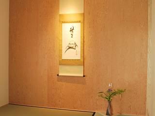 出屋敷の家 モダンデザインの 多目的室 の 西川真悟建築設計 モダン