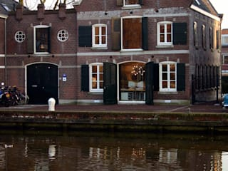 by Architektenburo J.J. van Vliet bv 에클레틱 (Eclectic)