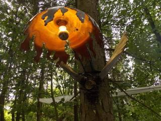 Wandlampe :   von Schallmoversum