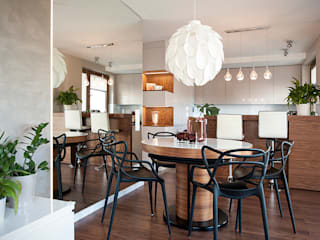 Modern dining room by Finchstudio Modern