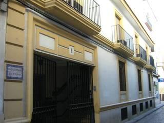 Klasyczne domy od studio8arquitectura Klasyczny