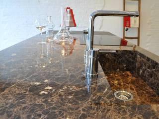 top cucina: Cucina in stile in stile Moderno di Mobili Campopiano & Raffaele s.a.s.