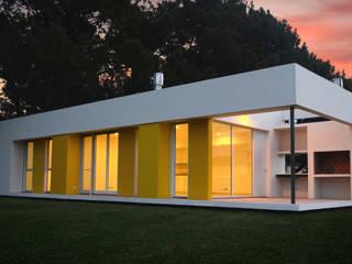 Casa La Pianola: Casas de estilo  por Estudio Moirë arqs.