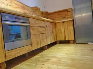 COCINA SERIE OLIVO MUEBLES DE OLIVO SIOLCA CocinaAlmacenamiento y despensa Madera maciza Acabado en madera