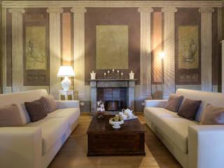Principe di Palagonia: Hotel in stile  di Giovanni Costagliola Archifotografia,