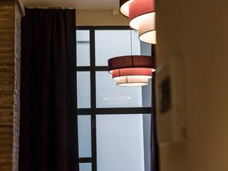Suites Hotel Principal   Batua Interiores Creativos Hoteles de estilo industrial de Batua Interiores Creativos Industrial