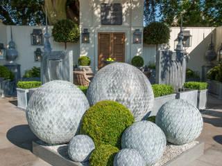 Leaf Ball Arrangement par A Place In The Garden Ltd. Rustique
