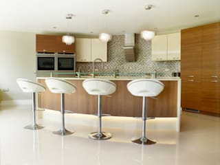 MR & MRS SHAW'S KITCHEN:  Kitchen by Diane Berry Kitchens