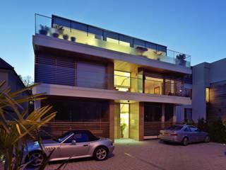 Natropolis Apartments Modern balcony, veranda & terrace by Coupdeville Modern
