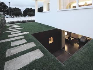 Casa José Prata Jardins modernos por Barbosa & Guimarães, Lda. Moderno
