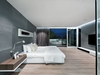 Magazine editorial - House in Sai Kung by Millimeter:  Bedroom by Millimeter Interior Design Limited, Modern