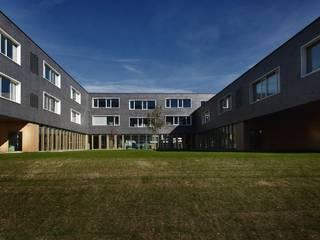 Escolas  por Consorzio Stabile Pedron