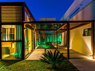 Moderner Spa von Studio Fabrício Roncca Modern