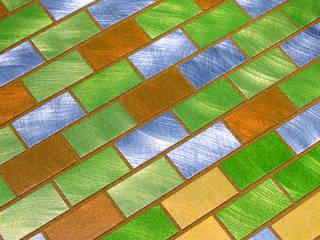 Qmozaix glasmozaiek en Starlike epoxyvoegen laten Waterstijl zwembad schitteren: modern  door Keramix, Modern