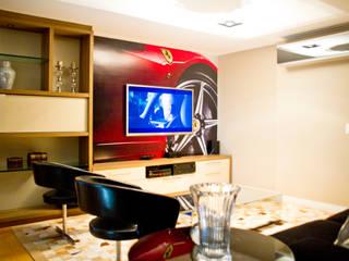 Salle multimédia moderne par VILLA ARQUITETURA- DO SEU JEITO COM NOSSO TOQUE Moderne