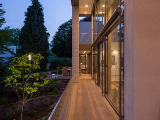 ARCHITEKTEN BRÜNING REIN Balcone, Veranda & Terrazza in stile moderno