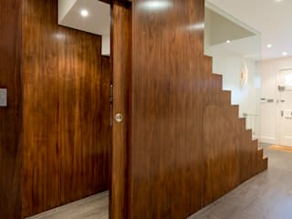 St John's Wood Town House Minimalist corridor, hallway & stairs by DDWH Architects Minimalist