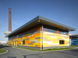 NEWTON PARK Locaux commerciaux & Magasin industriels par BAEB - Bureau d'architecture Emmanuel Bouffioux Industriel