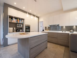 MR & MRS FALLON'S KITCHEN:  Kitchen by Diane Berry Kitchens