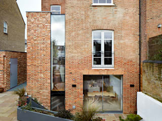 Daytime view from the garden: modern Houses by Fraher Architects Ltd
